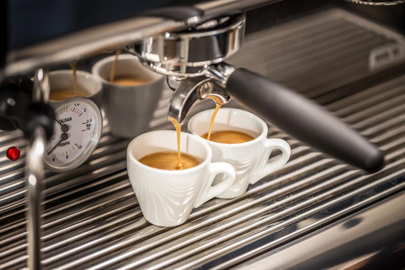 How to Choose the Right Coffee and Beverage Equipment for Your Restaurant